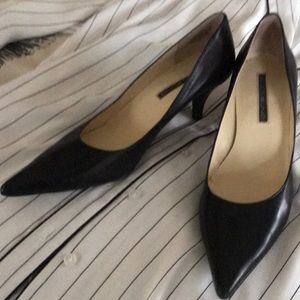 Bandolino black leather kitten heels barely worn